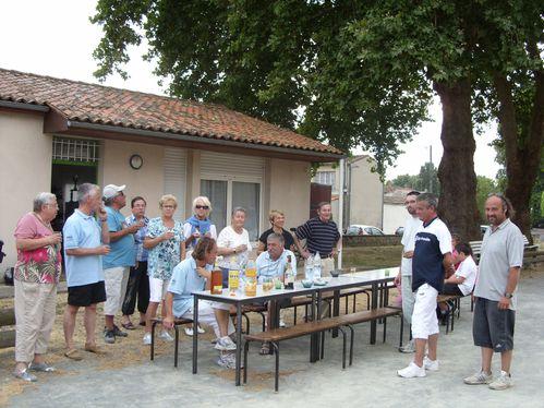 2011.06.03-SAINTES-BOULODROME-Francoise-Emmanuel-Matthieu-.JPG
