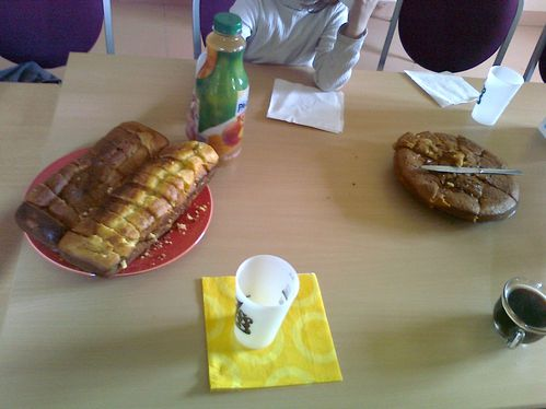 2012.04.11-SAINTES-BELLEVUE-REUNION-SBS-POUR-PARENTS-GATEAU.jpg