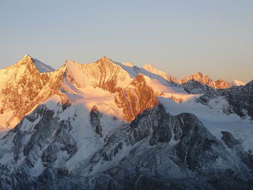 http://img.over-blog.com/500x375/0/08/49/95/Alpinisme-2009-2010/P1090993.JPG