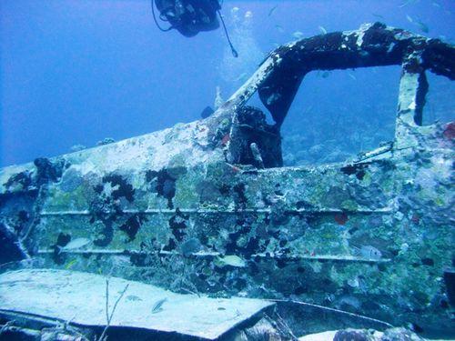 2012 02 10 Port Louis- l'avion (14)