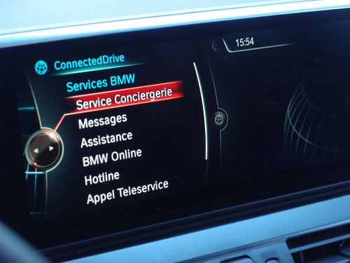 conciergerie-connected-drive-active-tourer-bmw.JPG