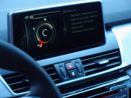 controller-touch-active-tourer-bmw.JPG