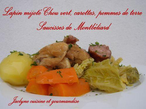 Lapin mijoté Chou vert, carottes, pommes de terre & saucisses de montbéliard Plat familial Jaclyne cuisine et gourmandise