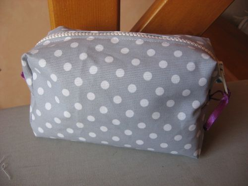 trousse-a-maquillage-rectangulaire-012.jpg