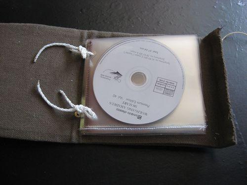 pochette-pour-rangements-CD-de-voyage-015.jpg