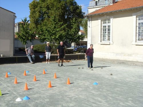 2011.10.05 SAINTES FORMATION BOULES ADULTES PRUDENT LAFOND