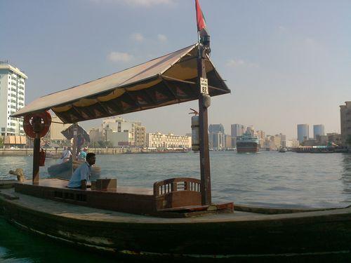 bateaux-en-bois-abra-a-Dubai-Creek.jpg