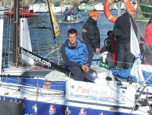 louis segre sur cyclo surf globe skipper au depart de la mini transat 2013 a douarnenez