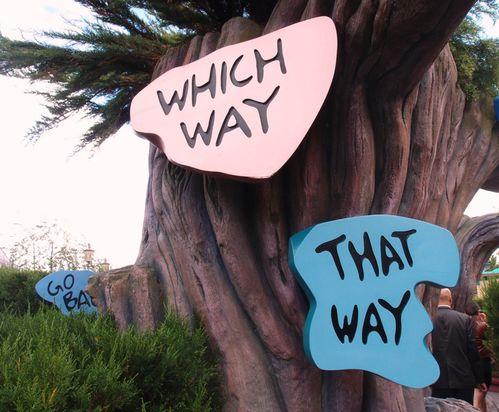 Disneyland_labyrinthe_alice.JPG