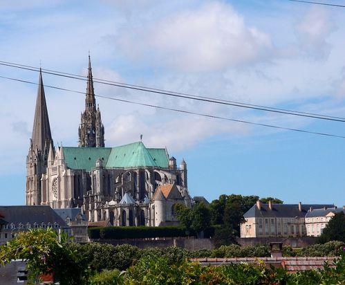 cathedrale-chartes-vue-hauteur.JPG
