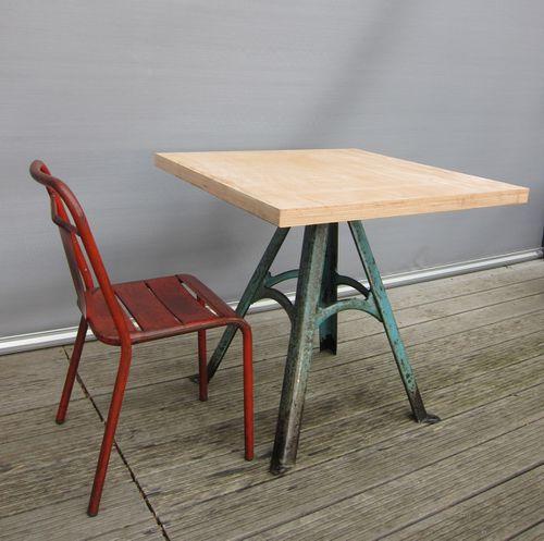 TABLE PIED A PATINE BLEUE PLATEAU 80X80 R1353 (8)