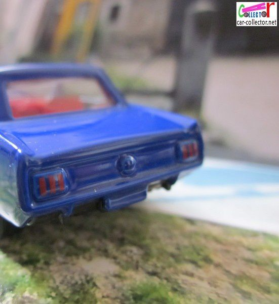 1964-ford-mustang-blue-high-speed (1)