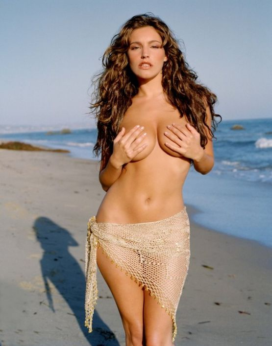 Kelly-Brook-2.jpeg