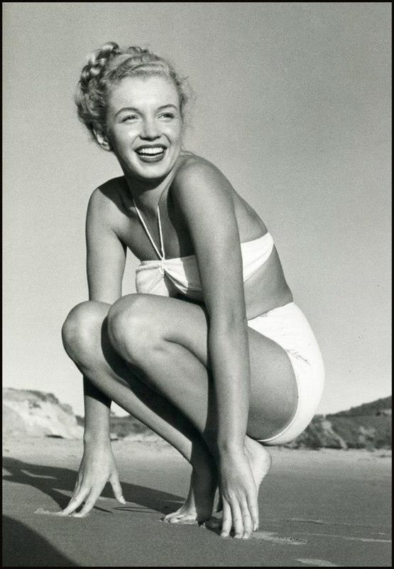 Beautiful Photographs of Marilyn Monroe by Andre de Dienes,