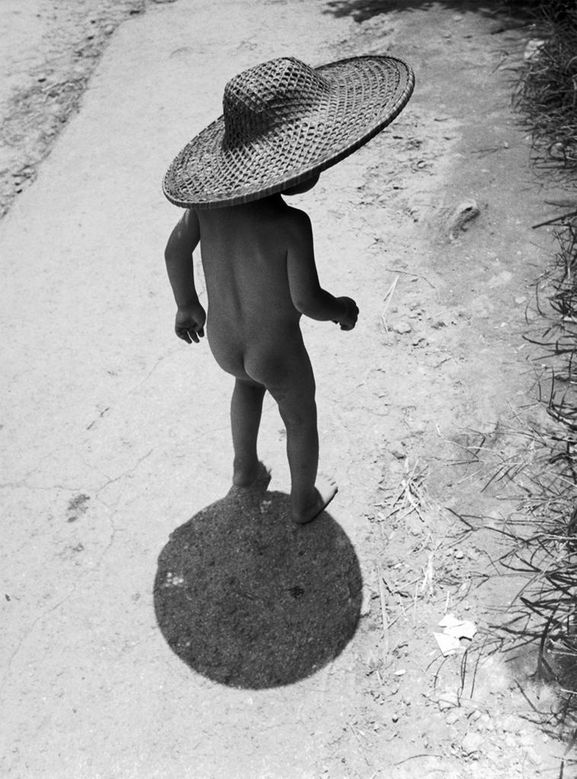 Werner-Bischof-on kid in hat