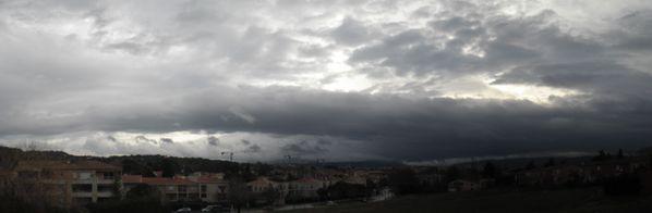 Aviocorde nuage anthropique Aix en Provence Ste Victoire