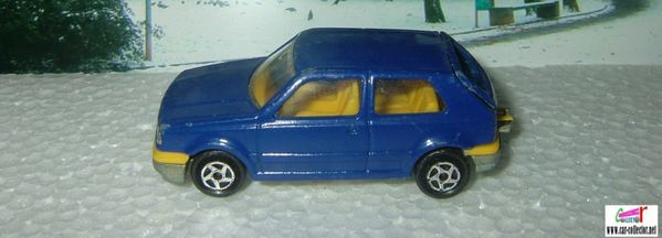 vw golf majorette 264 bleue interieur jaune (1)