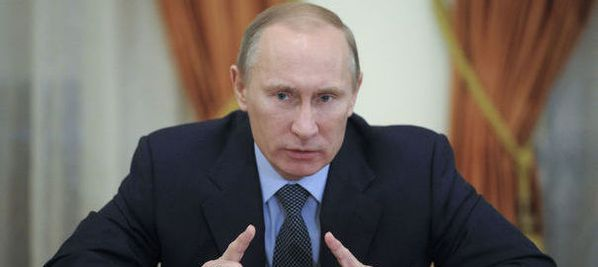 833327_russia-s-prime-minister-vladimir-putin-meets-with-th.jpg