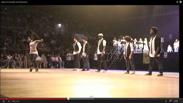 500 jeunes en concert en faveur des Restos du coeu-copie-1