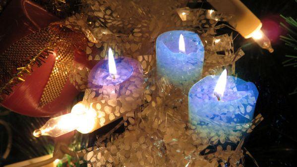 Sapin-et-bougies--pour-Blog-.jpg