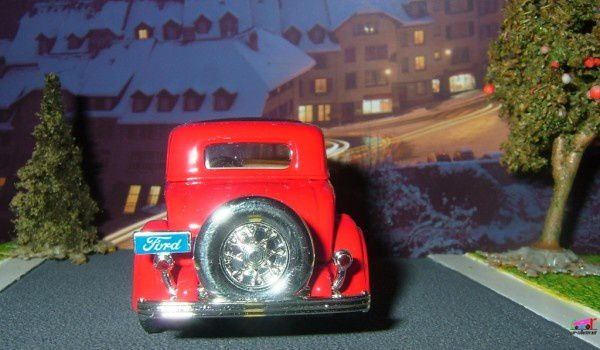 ford-3-window-coupe-1932-road-signature