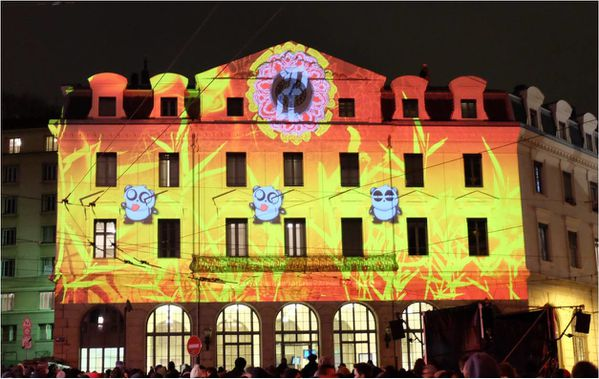 gare-saint-paul-jeux-videos-fete-lumieres-2014.jpg