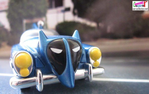 1950-dc comics-batmobile-batman-corgi (8)