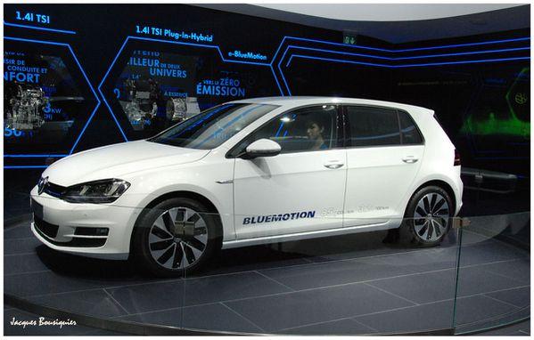 Volkswagen Golf blue emotion Mondial Auto 2012 Paris