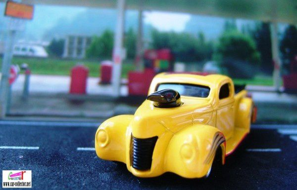 40 ford yellow pickup collector #1069 (3)
