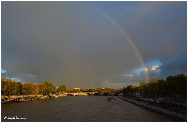 Paris Arc en ciel depuis le Pont Alexandre III a
