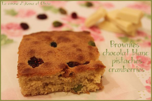 Brownies-chocolat-blanc-pistache-cranberries-2.jpg