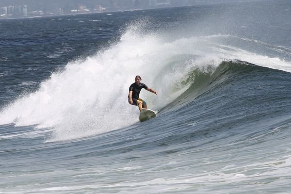 Surfers 3244