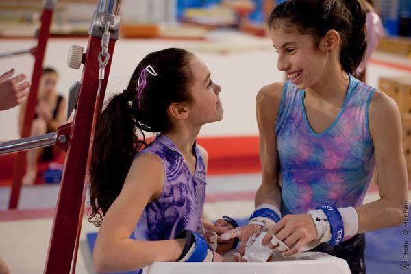 préparation aux barres des jeunes gymnastes