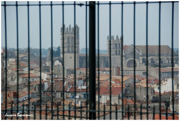 Montpellier cathedrale emprisonnee