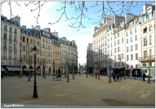 Place Dauphine 01