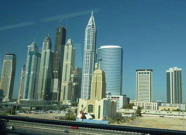 Dubai--78--23-marina-blanc-et-bleu.jpg