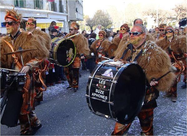 fanfare-suzaphone-carnaval-d-evian.jpg