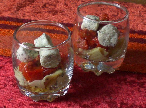 Verrine-boursin-salade-tomates-s-ch-es-artichaud-marin-.jpg