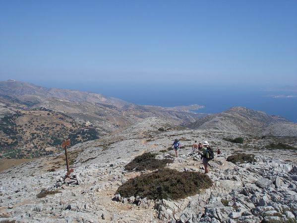 Ascension du Mont Zeus (1001 m) sur l'île de Naxos : un panorama splendide 26