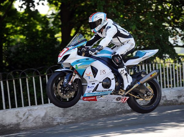 portuguese-star-luis-carreira-to-race-at-the-2011-iomtt-319