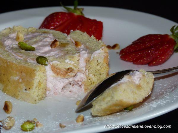 roulé à la chantilly de fraises (1)