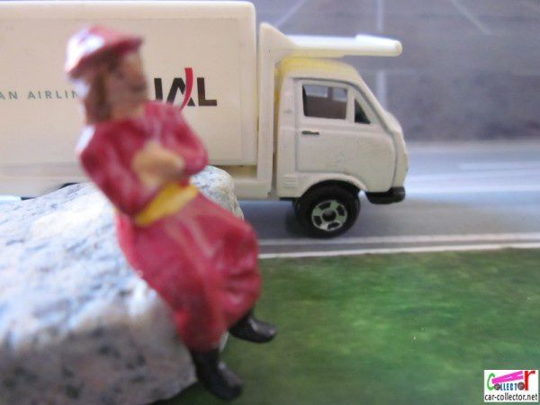 camion-welly-japan-airlines-air-lines (2)