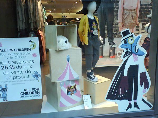 H-M-all-for-children-vitrine.JPG