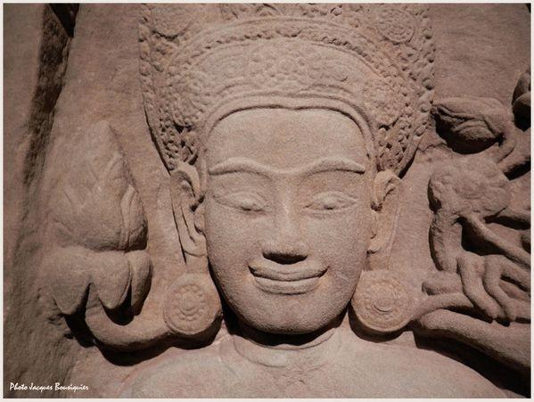 Angkor Cambodge Pilastre Musee Guimet Paris