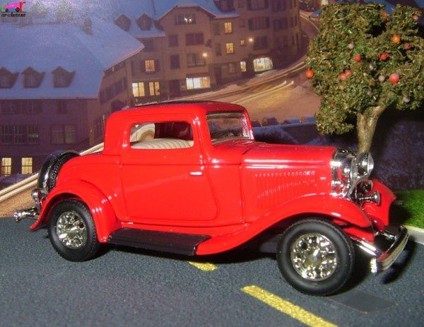 ford-3-window-coupe-1932-road-signature (3)