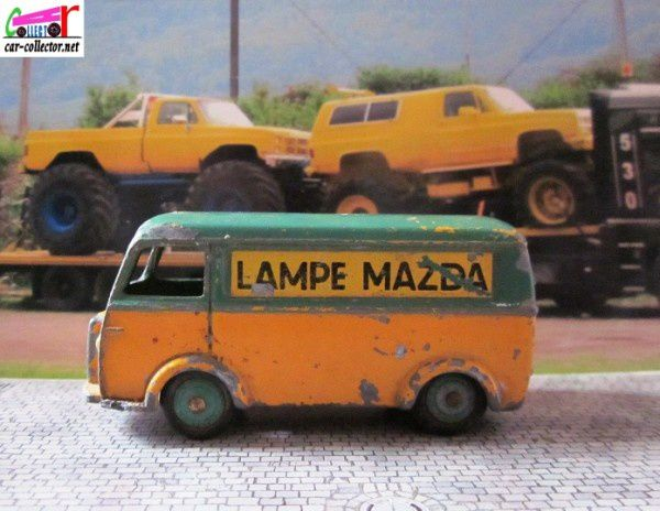 peugeot-d3a-lampes-mazda-dinky-toys-meccano