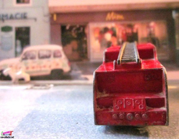 merry-weather-marquis-serieIII-fire-engine-lesney--copie-3