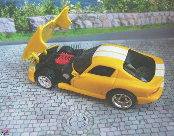 dodge viper gts yellow hot wheels 1.64