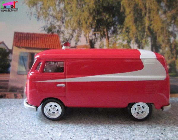 vw-combi-starsky-et-hutch-1965-johnny-lightning