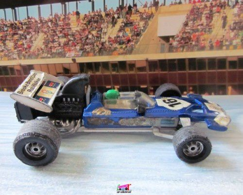 f1-surtees-ts9-rod-walker-team-corgi